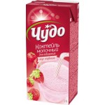 Молочный коктейль ЧУДО Клубника 5%, 950г