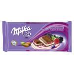 Шоколад молочный MILKA с двухслойной начинкой миндаль/лесные ягоды, 90г