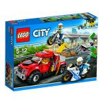 Конструктор LEGO City 60137 Побег на буксировщике, 5-12 лет
